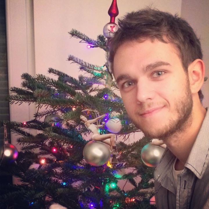 zedd standing in front of a miley cyrus christmas treejpg - Miley Cyrus Christmas