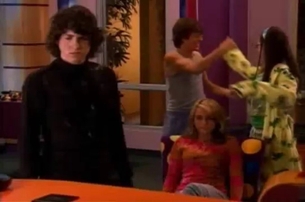 Zoey 101 logan and quinn start dating