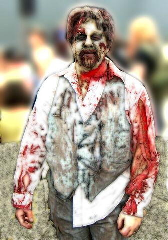 File:Zombiewalk2010-005.jpg